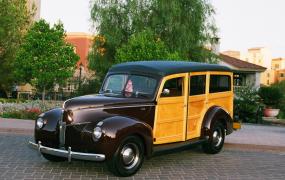 1940 Ford - Dave & Cheryl Luchsinger