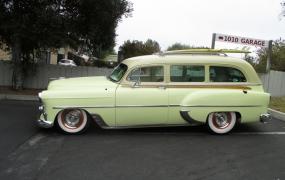 1953 Chevrolet - Wayne & Sharen Bloechi