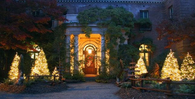 The holiday display outside the historic Filoli Mansion in Woodside, site of the nine-day Holiday Traditions event, the organization's biggest fundraiser. Photo by Darlene Hampton.
